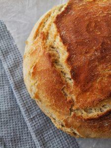 Бърз и лесен домашен хляб без месене!